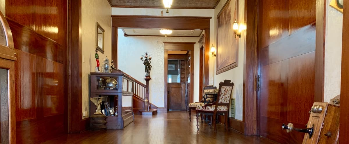 1898 Victorian Executive Mansion - Nationally Recognized Historical Property - South of Indianapolis in Shelbyville Hero Image in undefined, Shelbyville, IN