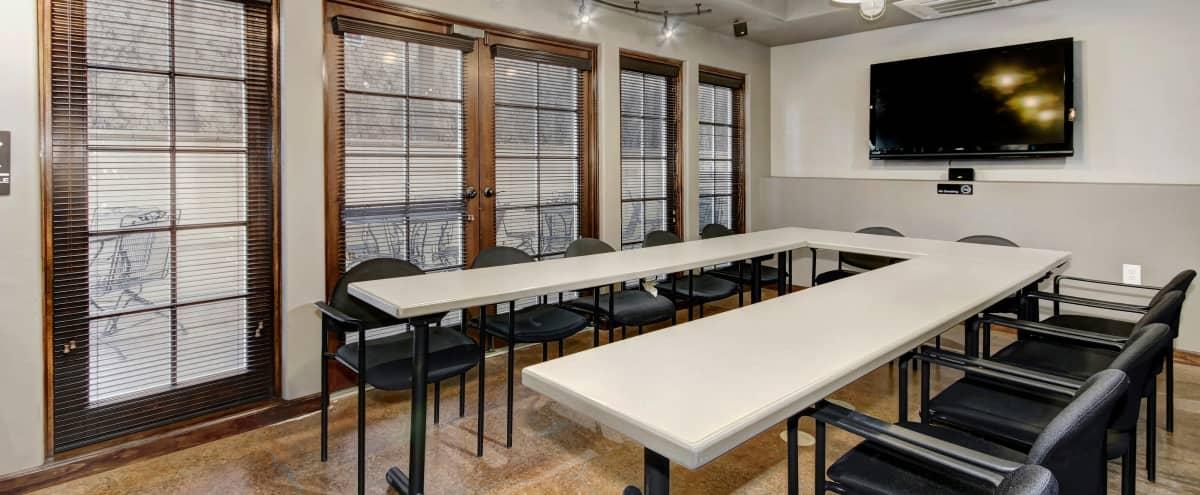 U-Shape Classroom for 14 near Sacramento in Sacramento Hero Image in East Sacramento, Sacramento, CA