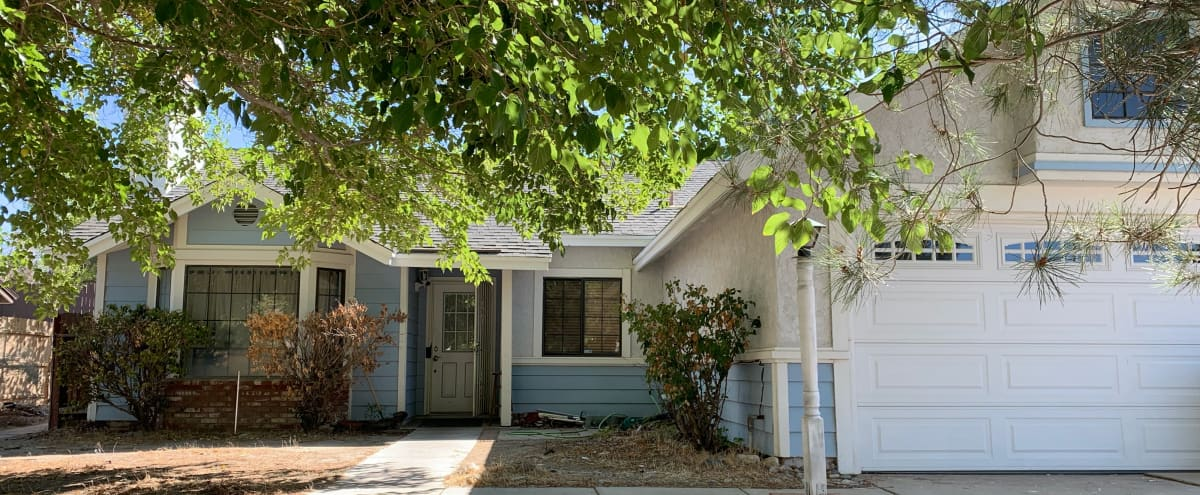 Cozy Home in Suburban Neighborhood in Lancaster Hero Image in undefined, Lancaster, CA