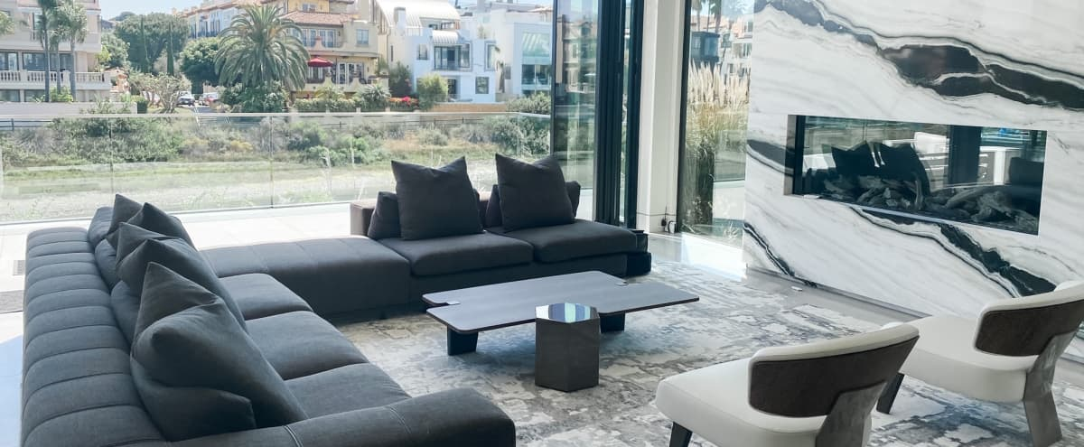 Marina Luxury Home with Canal Frontage in Marina Del Rey Hero Image in Venice, Marina Del Rey, CA