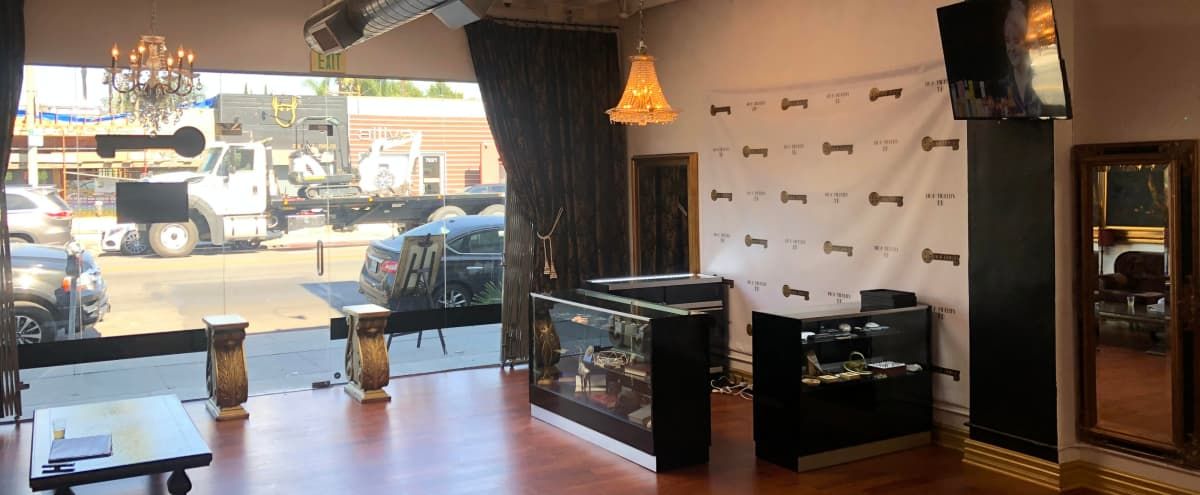 Spacious Vintage Music Lounge with natural lighting. in West Hollywood Hero Image in Melrose, West Hollywood, CA