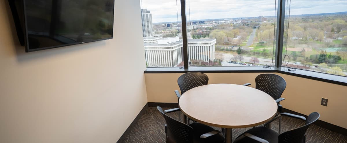 Cozy Meeting Room for 4 with Incredible View in Bloomington Hero Image in West Bloomington, Bloomington, MN