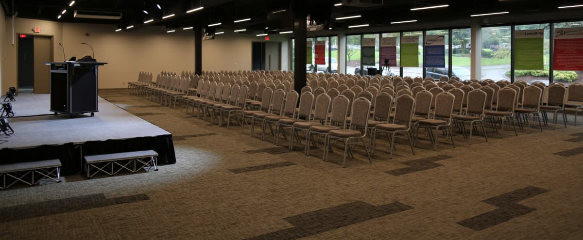 Nashville Airport Area Conference Center, 15 Minutes From Downtown in Nashville Hero Image in Donelson, Nashville, TN