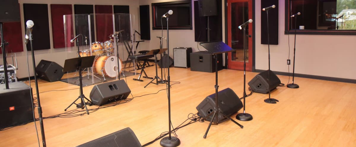 Creative Multi-Purpose Recording Studio in NY/NJ Area in Fairfield Hero Image in undefined, Fairfield, NJ