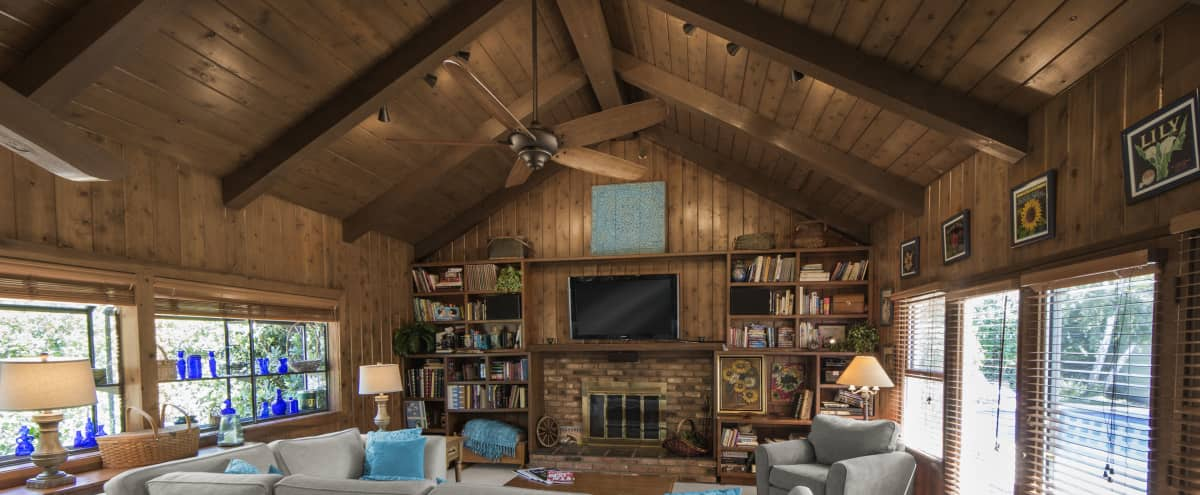 Rustic Cabin Room w/Fireplace & Vintage Bar in Sherman Oaks Hero Image in Sherman Oaks, Sherman Oaks, CA