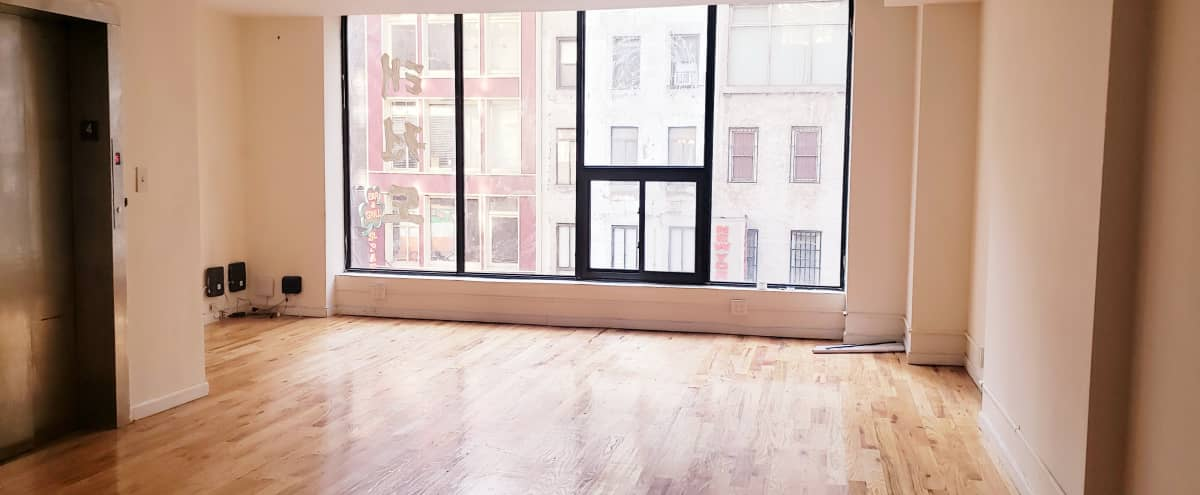 Off 5th Avenue Huge Loft! Perfect for shows, pop up... in New York Hero Image in Midtown, New York, NY