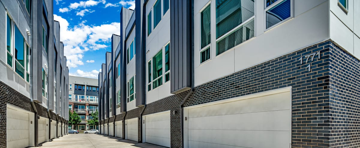 Spacious Townhome   Private Rooftop with Skyline Views   Free Parking in Dallas Hero Image in Old East Dallas, Dallas, TX