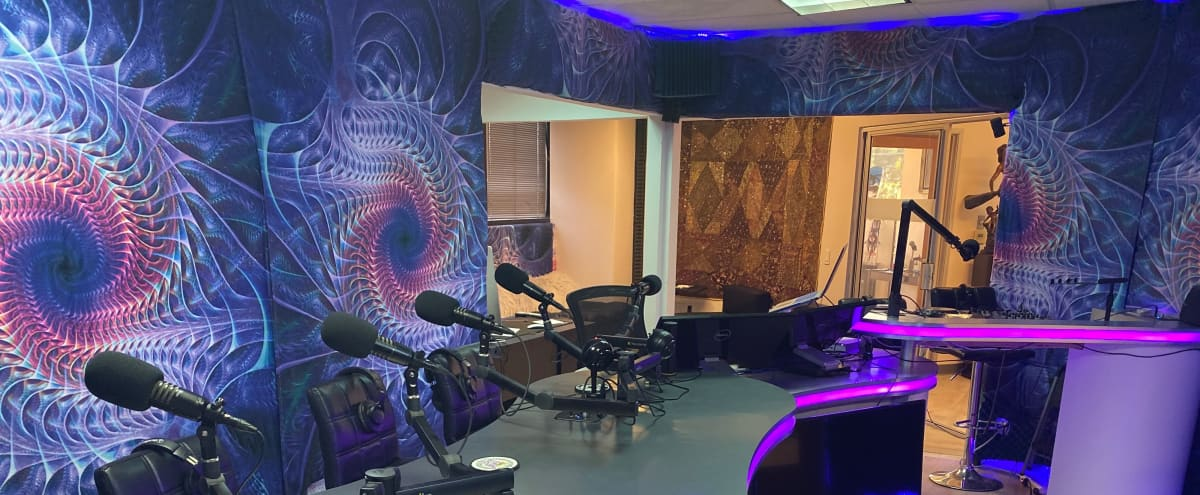Production Recording Studio - Podcast & Talk - Voice Over Recording - Audio Commercials & Books - Great Services & Vibe in Woodland Hills Hero Image in Woodland Hills, Woodland Hills, CA