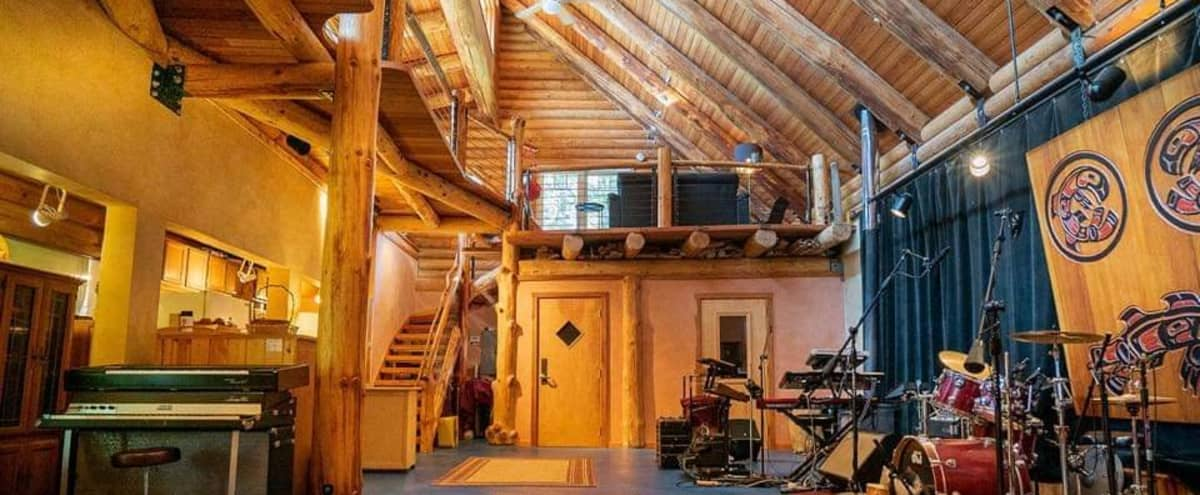 Unique Studio Space next to Large Nature Preserve Near Seattle in Woodinville Hero Image in undefined, Woodinville, WA