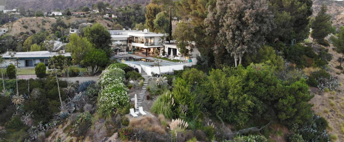 2 View House - Modern Hollywood Hills House with Unobstructed Views in Los Angeles Hero Image in Hollywoodland, Los Angeles, CA