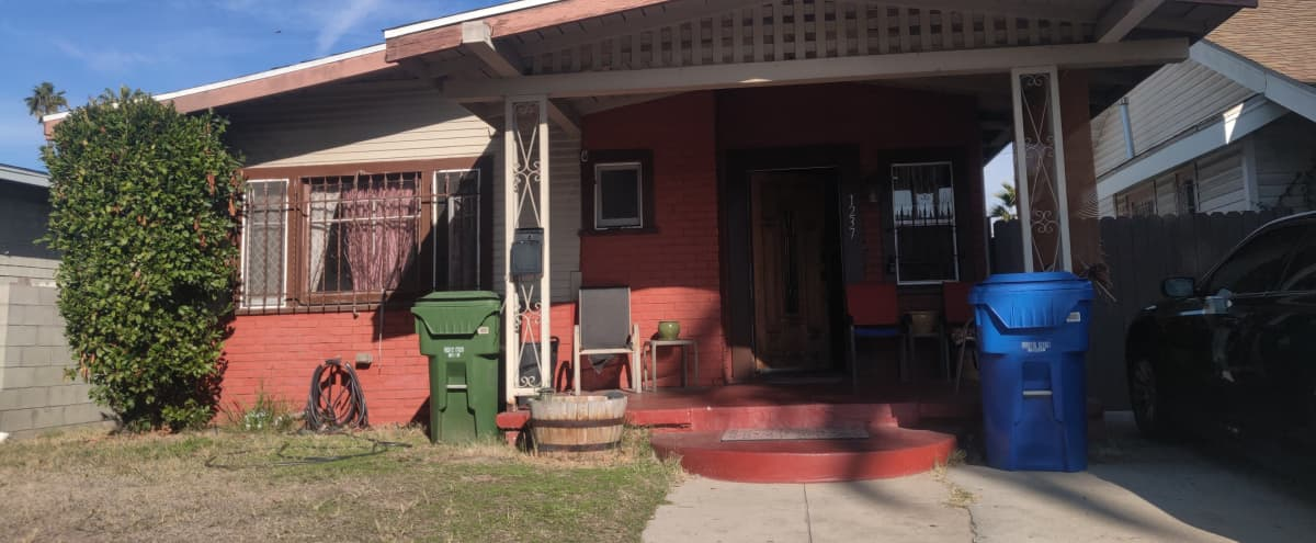 Los Angeles Cozy Home in Los Angeles Hero Image in South Los Angeles, Los Angeles, CA