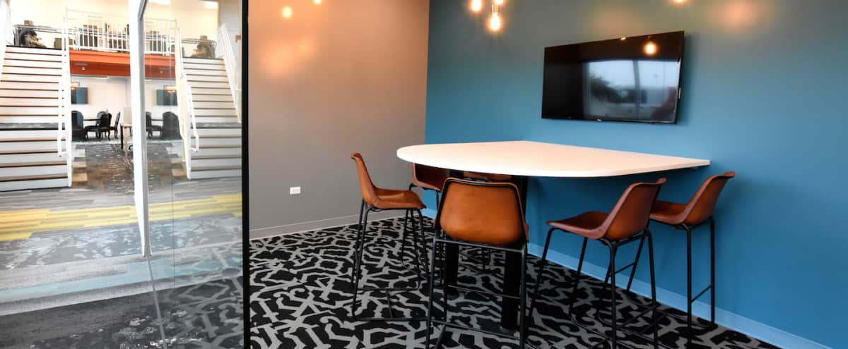 Suburban Modern +Versatile Meeting Room in Arlington Heights Hero Image in undefined, Arlington Heights, IL