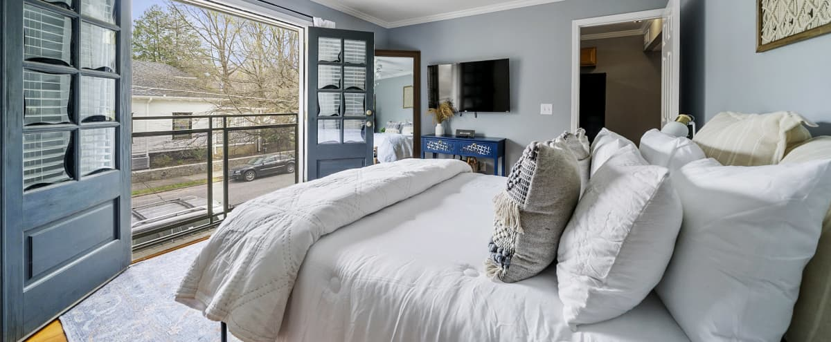 DREAMY ATL APARTMENT - VIRGINIA HIGHLANDS in Atlanta Hero Image in Virginia-Highland, Atlanta, GA