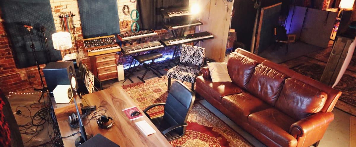 Spacious Warm 70s Vibe DTLA Studio and Event Space in Los Angeles Hero Image in Central LA, Los Angeles, CA