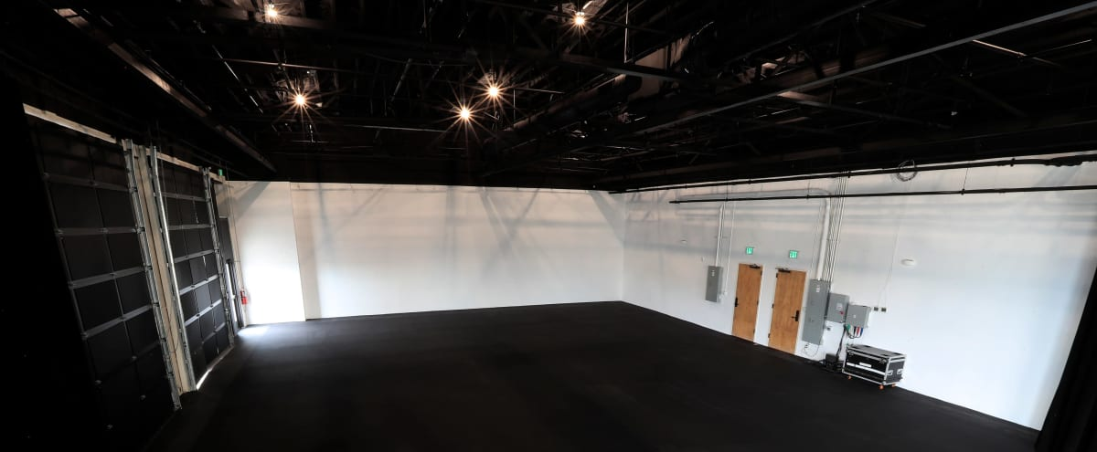Eleven Willow Studio A: Production Studio with Natural Light or Blackout Curtains in Nashville Hero Image in South Nashville, Nashville, TN