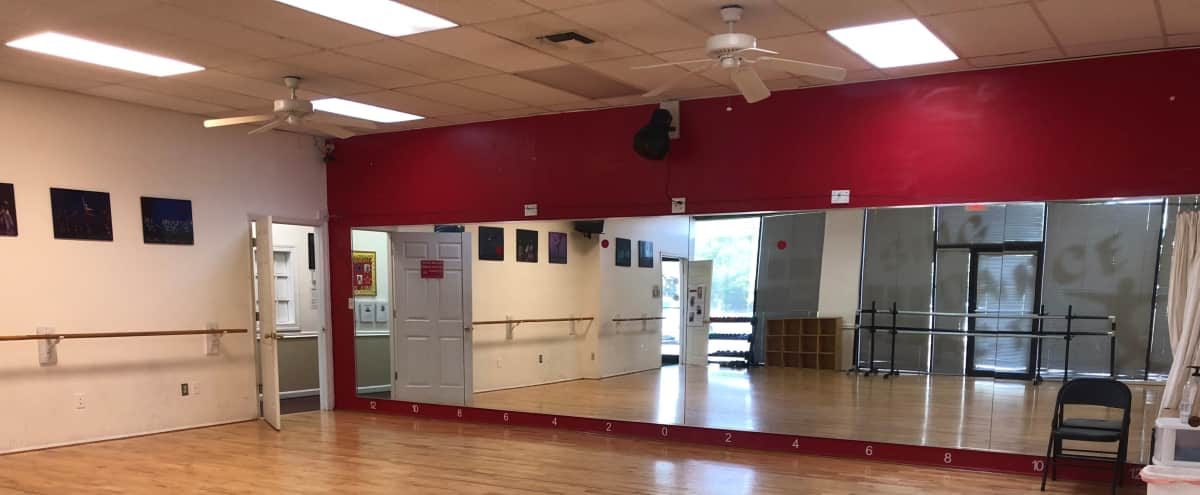 Frederick City, large dance studio room, mirrors, tables and chairs, video projector - Studio 1 in Frederick Hero Image in undefined, Frederick, MD