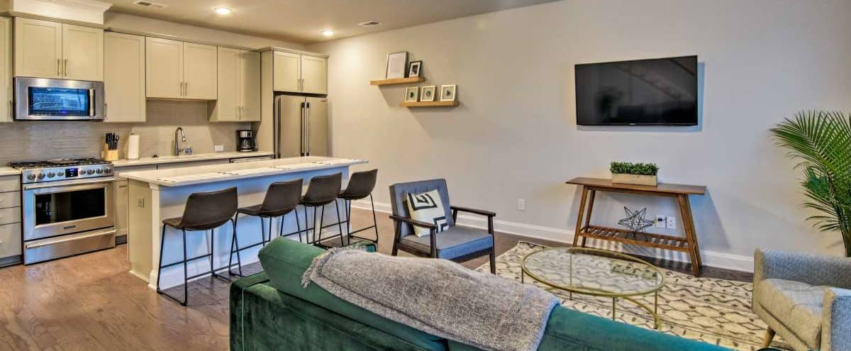 Modern Meeting Space 5 minutes from Uptown in Charlotte Hero Image in Double Oaks, Charlotte, NC