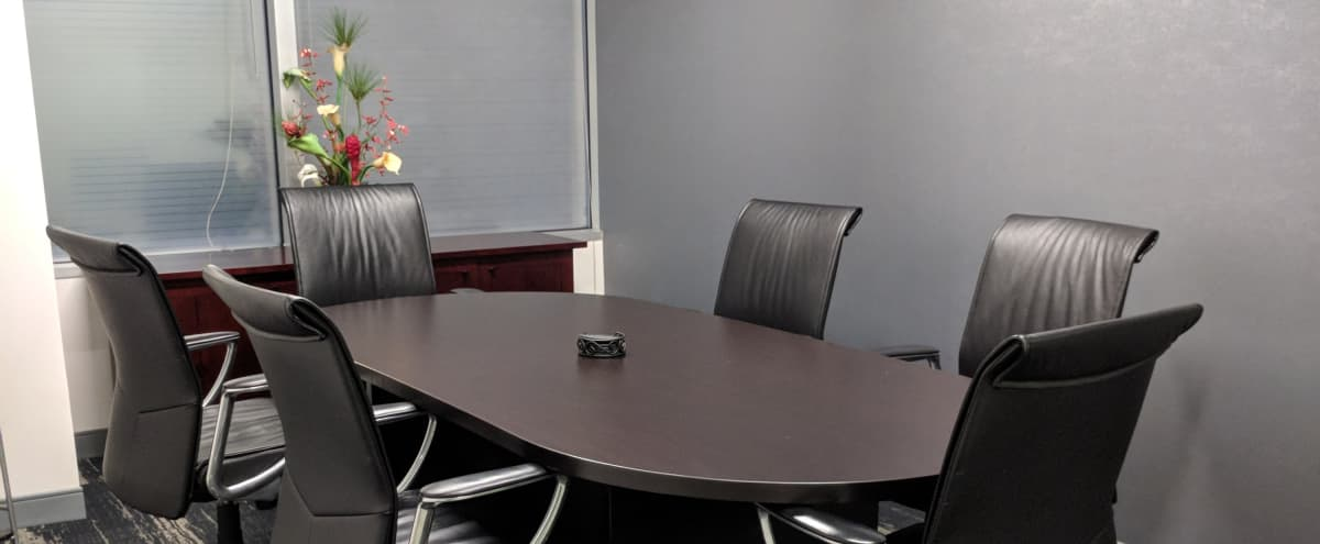 Small Meeting Room – CTA & Amenity Friendly Location in Chicago Hero Image in Chicago Loop, Chicago, IL