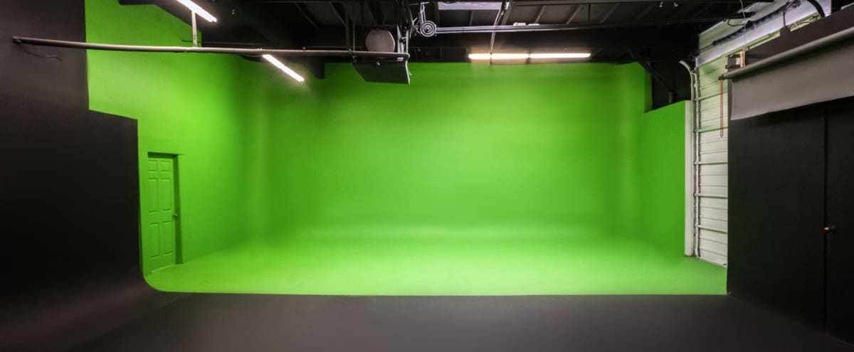 5,000sq ft Photography/Video Studio in Irving Hero Image in Las Colinas, Irving, TX