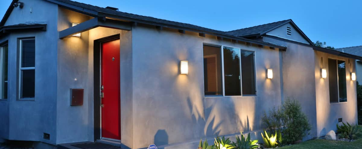 Newly Remodeled Modern  2b/2b with Office and Large Backyard in North Hollywood Hero Image in North Hollywood, North Hollywood, CA