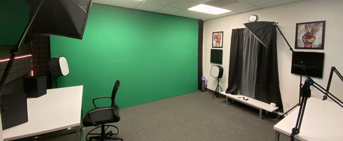 Versatile Digital Media Production Studios for Photography, Videography, and Podcasting in Arlington Hero Image in North Arlington, Arlington, TX