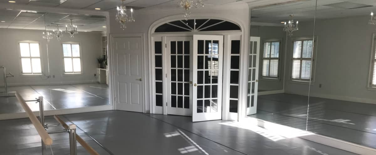 Small Classical Ballet Studio in Sandy Springs Hero Image in undefined, Sandy Springs, GA