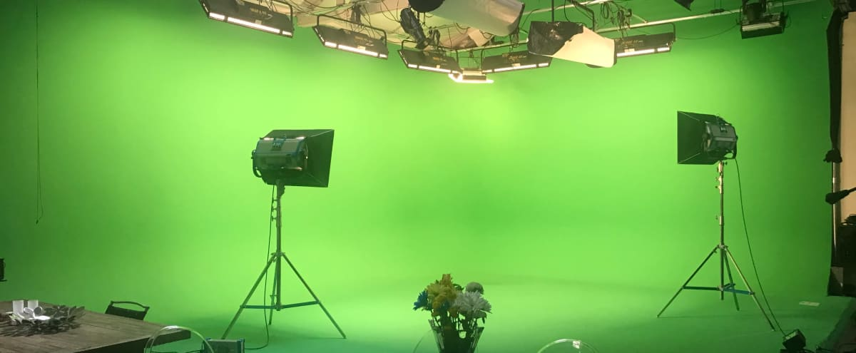 Green screen / White Cyc Stage & Full service post house studio in Los Angeles Hero Image in Hollywood, Los Angeles, CA