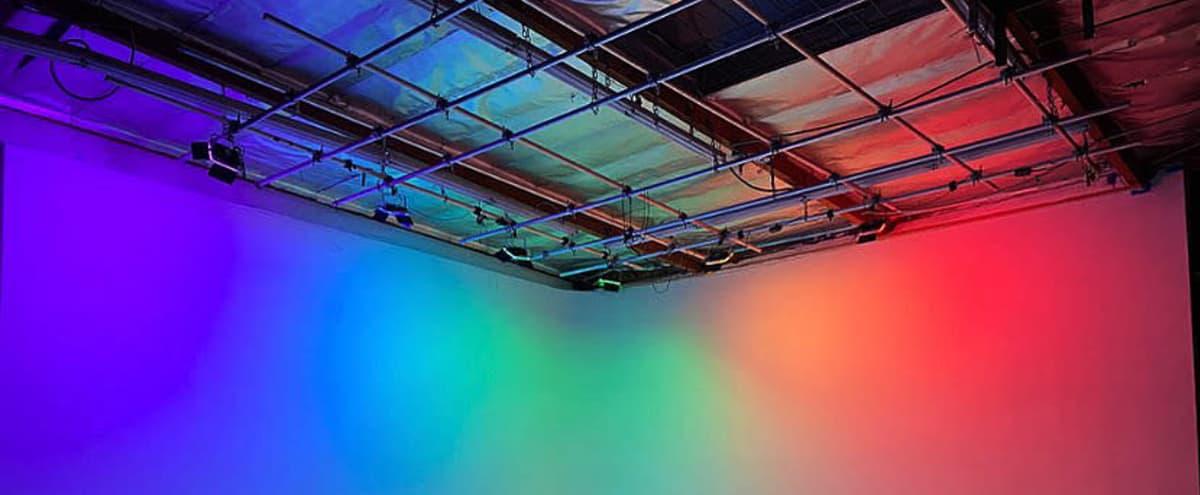 PRE LIT RGB CYC / INFINITY WALL in Van Nuys Hero Image in Lake Balboa, Van Nuys, CA