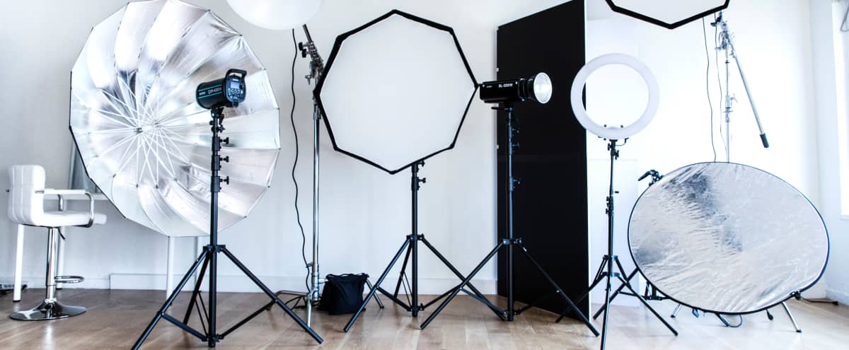 Chelsea Loft with Tons of Natural lights and Photo equipment. in Manhattan Hero Image in Chelsea, Manhattan, NY
