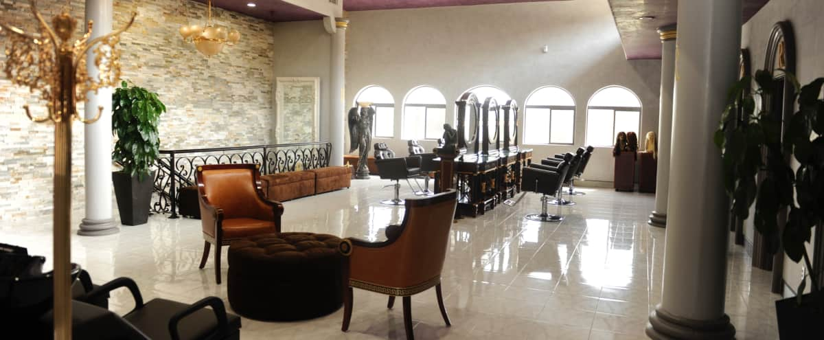 Luxury Gallery Boasting Artful Decor and Vaulted Ceilings in Los Angeles Hero Image in Palms, Los Angeles, CA