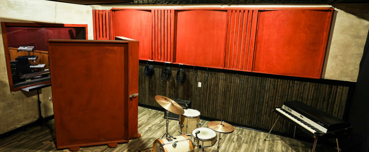 Professional Music Studio / Event Space / Photo Studio / Podcast Studio in Chatsworth Hero Image in Chatsworth, Chatsworth, CA