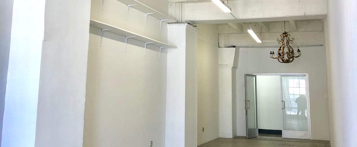 Beautiful White Studio in DTLA Fashion District in Los Angeles Hero Image in Downtown Los Angeles, Los Angeles, CA