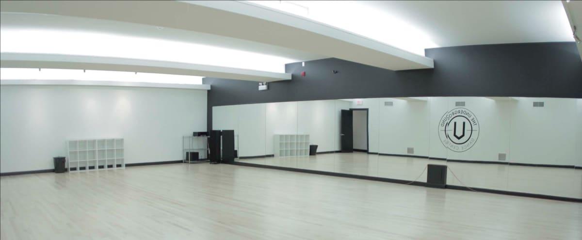 Spacious 1,200 Sq Ft Studio w/ Wall Mirrors in Toronto Hero Image in Downtown Toronto, Toronto, ON