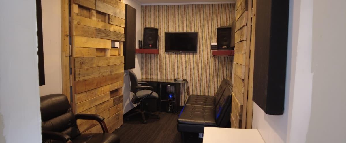 Simple Recording studio /Office/Studio Space  w/internet in the City in atlanta Hero Image in English Avenue, atlanta, GA