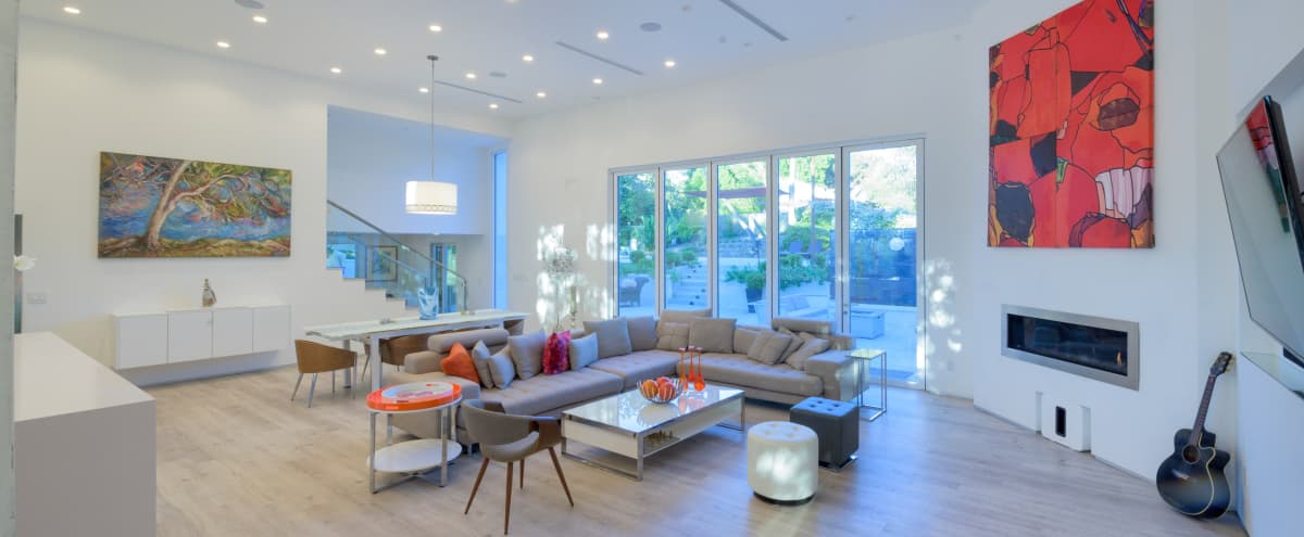 *SPECIAL RATE* MID-CENTURY MODERN-HIGH ceiling , bright and light filled in LA Hero Image in Shadow Hills, LA, CA