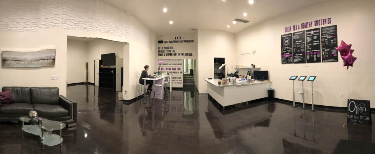 Historic Miracle Mile Flex Space: Yoga, Production, Presentation room with Adjoining Smoothie Bar, 2 bathrooms, street level, brightly lit in Los Angeles Hero Image in Mid-Wilshire, Los Angeles, CA