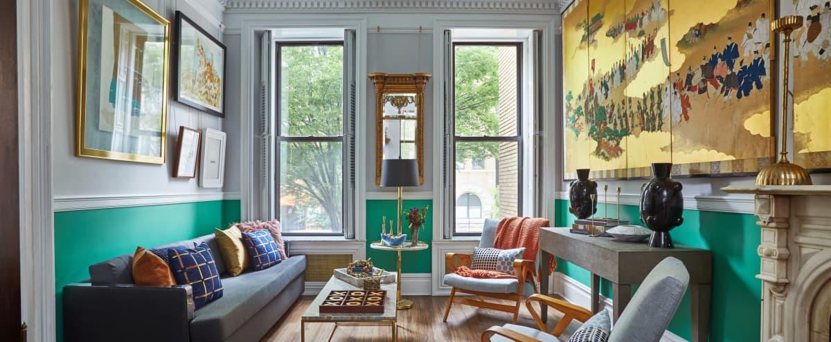 Beautiful, Private Brownstone Entire Parlor Floor in Brooklyn Hero Image in Bedford-Stuyvesant, Brooklyn, NY