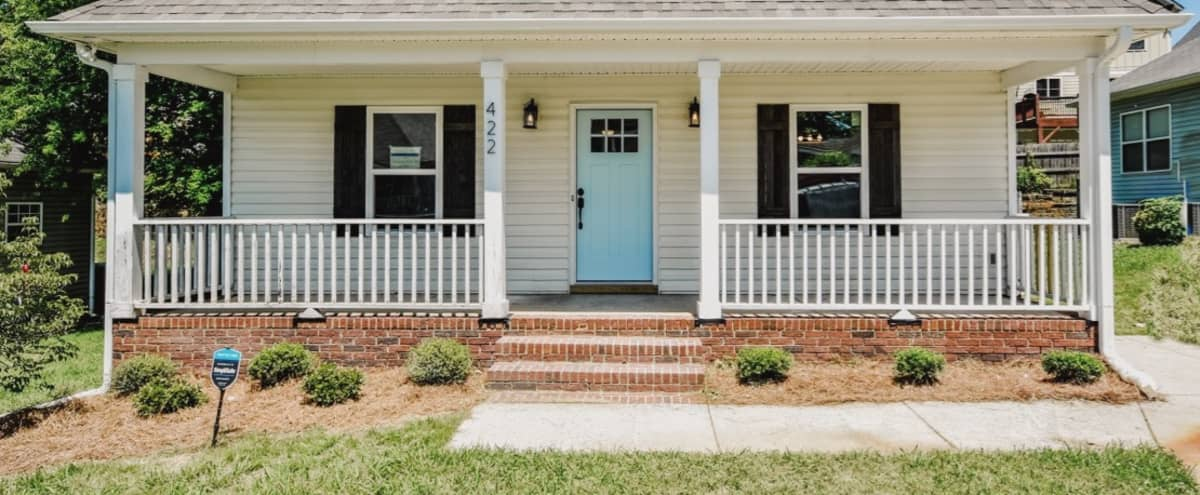 Charming Renovated Bungalow Minutes from Downtown in Charlotte Hero Image in Seversville, Charlotte, NC