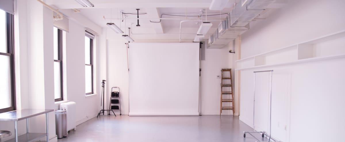 Large Photo & Video Studio 3k sq ft in New York Hero Image in Midtown Manhattan, New York, NY