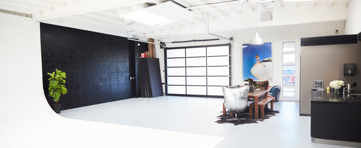 Chic Modern Photo Studio in the Heart of LA in Los Angeles Hero Image in Mid-Wilshire, Los Angeles, CA