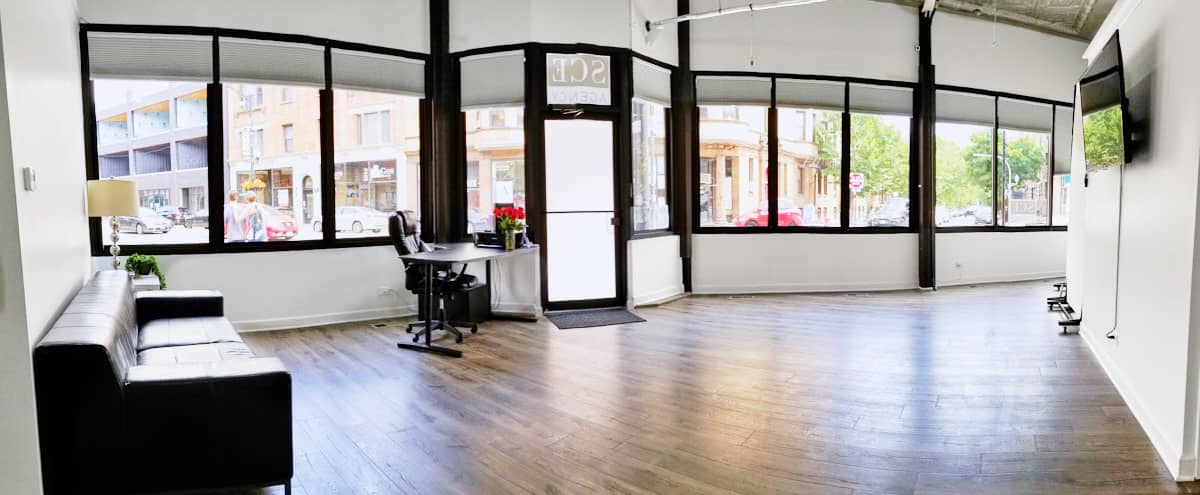 Spacious Storefront 1200sq. ft Studio in Lincoln Park with large kitchen and open floor plan in Chicago Hero Image in Lake View, Chicago, IL