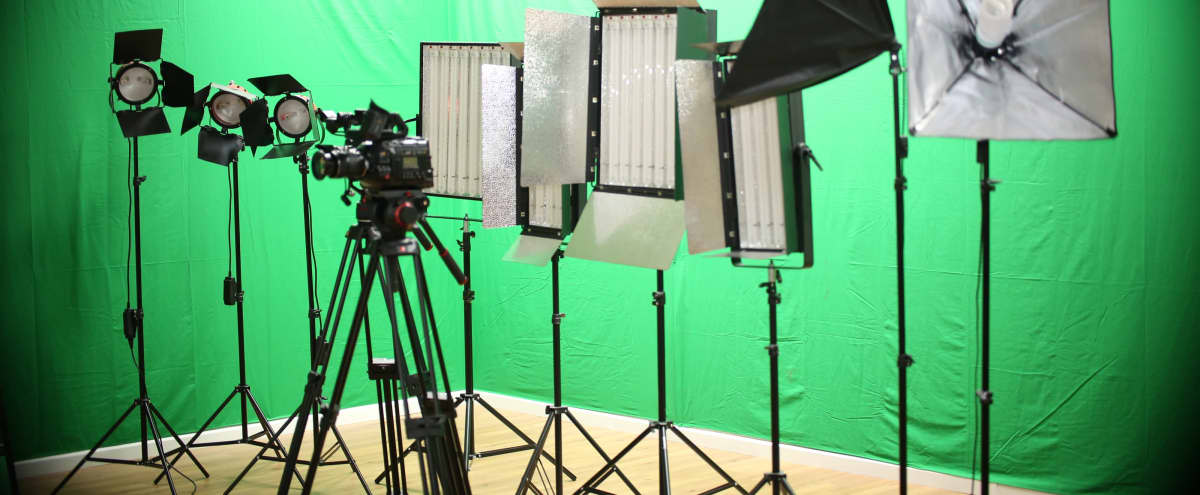 Specialised TV Production Studio With Green Screen in London Hero Image in undefined, London,