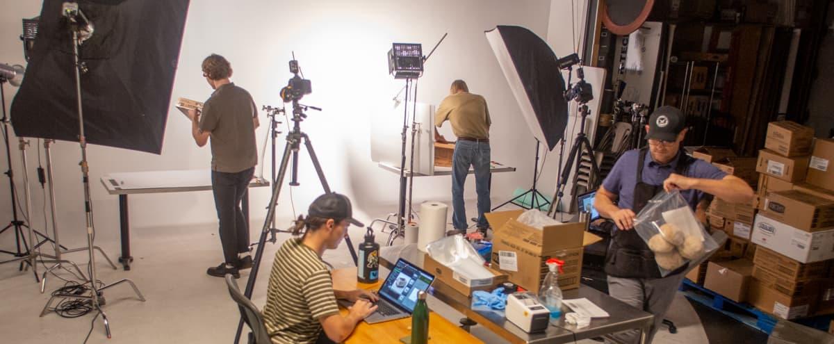 Contemporary, Open Studio with White Backdrop (Studio B) in Phoenix Hero Image in Willo, Phoenix, AZ