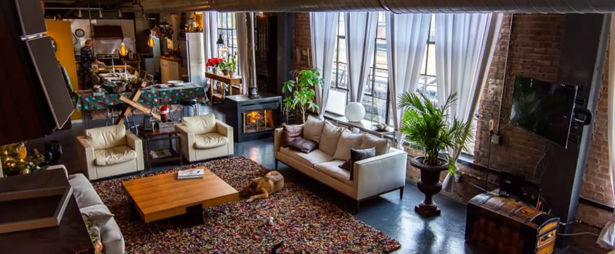 West Town Urban City Spacious Loft in Chicago Hero Image in Garfield Park, Chicago, IL
