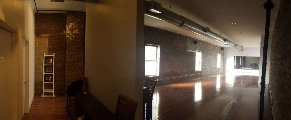 Multi-room studio in North Center neighborhood. Used for dance or photography. in Chicago Hero Image in North Center, Chicago, IL