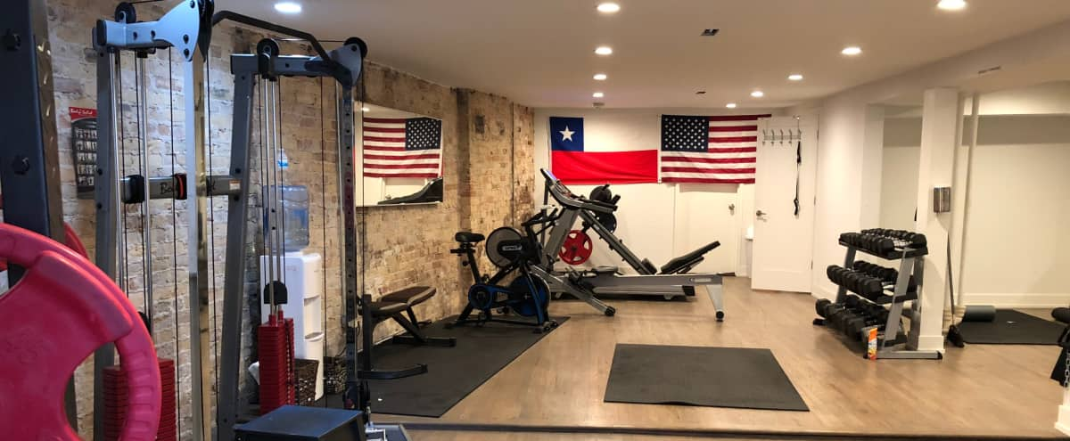 gym boutique lincoln park in chicago Hero Image in Mid-North District, chicago, IL