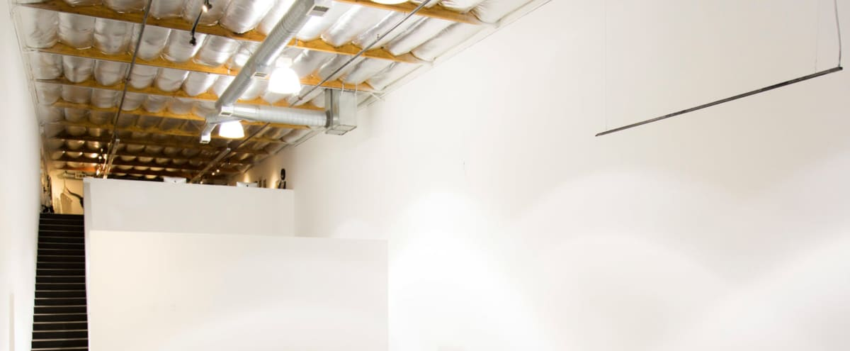 Downtown Modern / Minimal Spacious Studio in Los Angeles Hero Image in Downtown, Los Angeles, CA