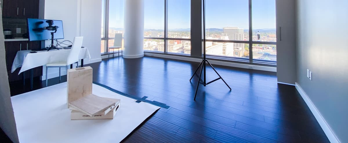 Downtown Natural Light studio with a View in Portland Hero Image in Southwest Portland, Portland, OR