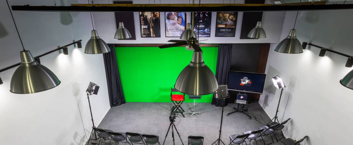 Fully Equipped Production Studio with Lighting Kits, Green Screen & More in Burbank Hero Image in undefined, Burbank, CA