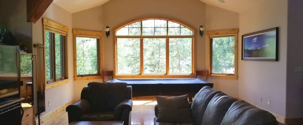 Low Key Mountain Retreat with Natural Lighting! in Silverthorne Hero Image in undefined, Silverthorne, CO